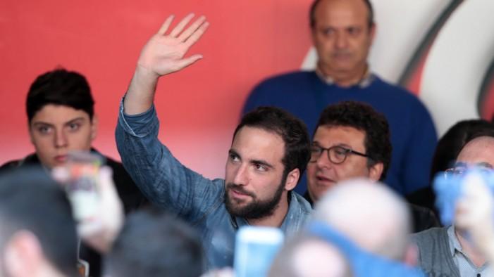 Il Napoli vince ma non convince appieno. Silenzio stampa nel dopo partita