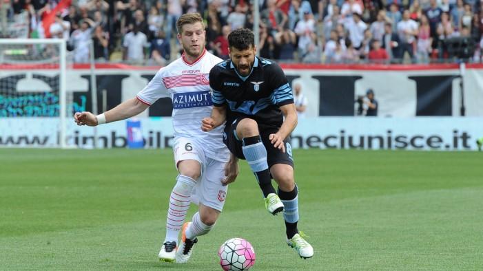La Lazio vince 3-1 ed inguaia il Carpi. Mbakogu eroe negativo con due rigori sbagliati