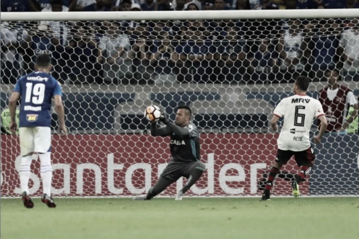 Diego Alves lamenta eliminação do Flamengo na Libertadores e mira competições nacionais
