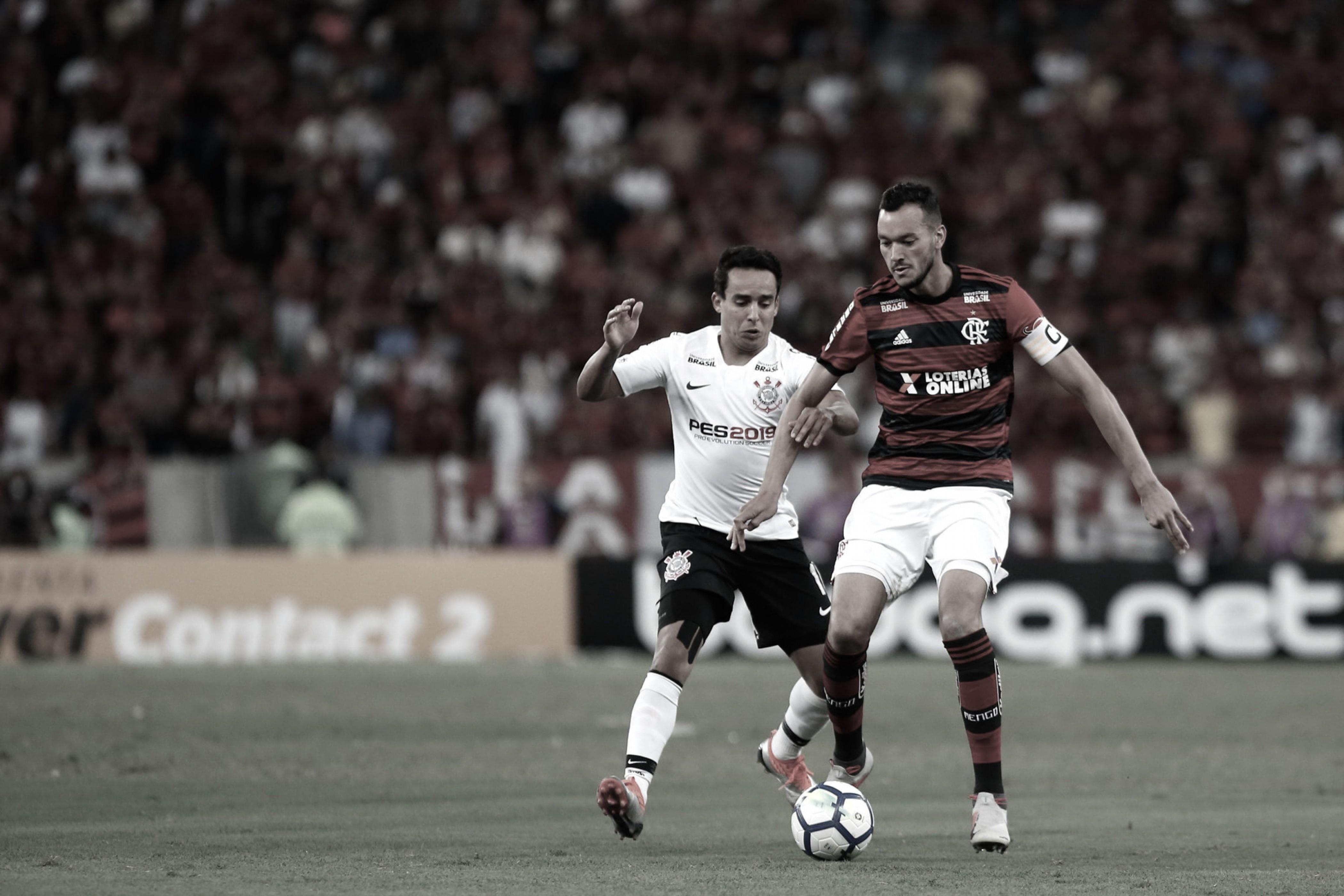 """Réver afirma que Flamengo deixou a desejar contra o Corinthians: """"Não conseguimos o gol"""""""