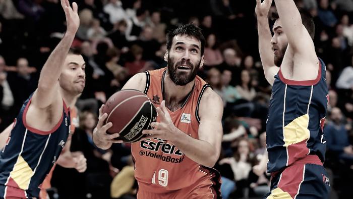 Valencia sufre de nuevo para vencer a Andorra en la prórroga