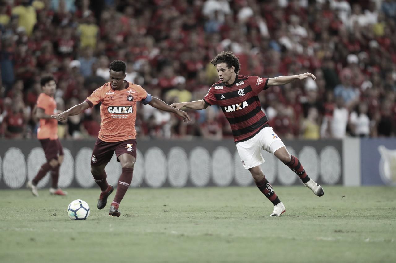 Pelo alívio! Flamengo encara time misto do Athletico-PR no Maracanã lotado