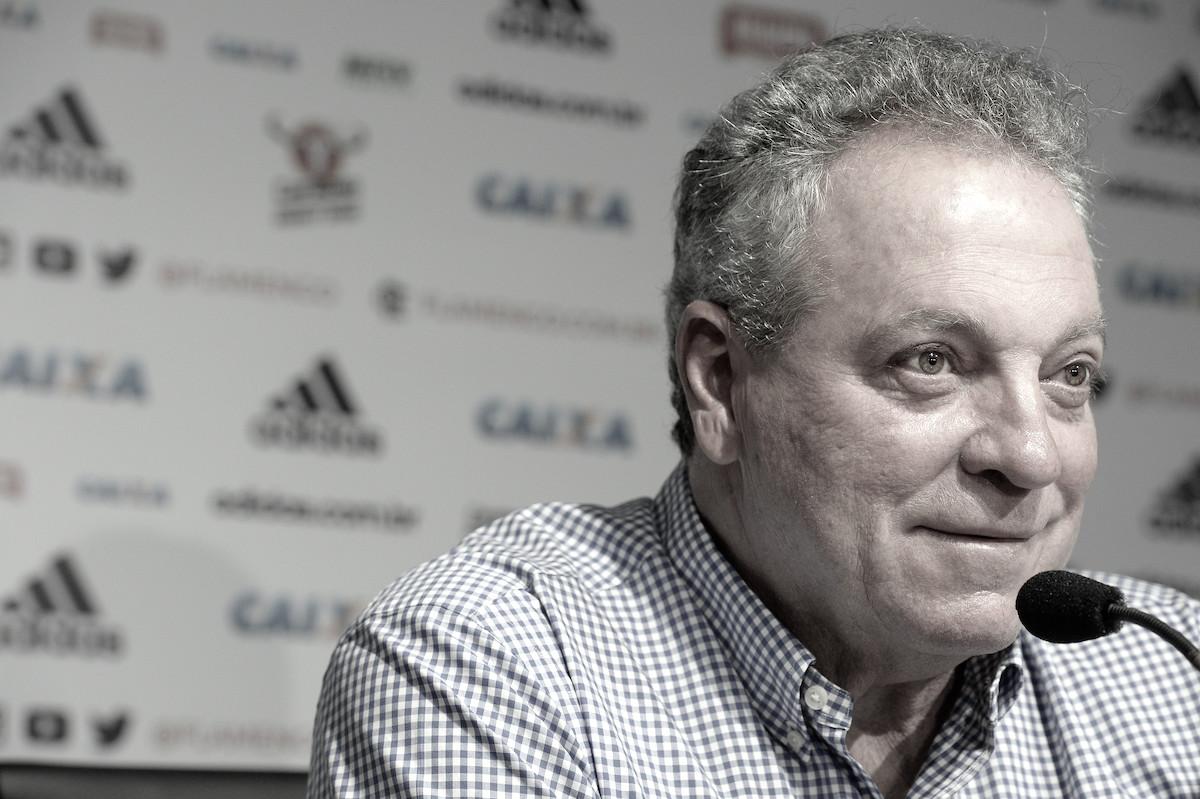 "Abel Braga é apresentado como técnico do Flamengo: ""Édesafio, e eu adoro"""