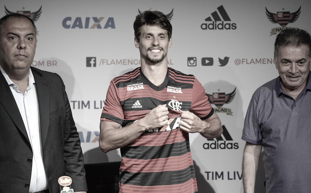 """Rodrigo Caio é apresentado, esclarece fair play e afirma: """"Quero fazer história"""""""