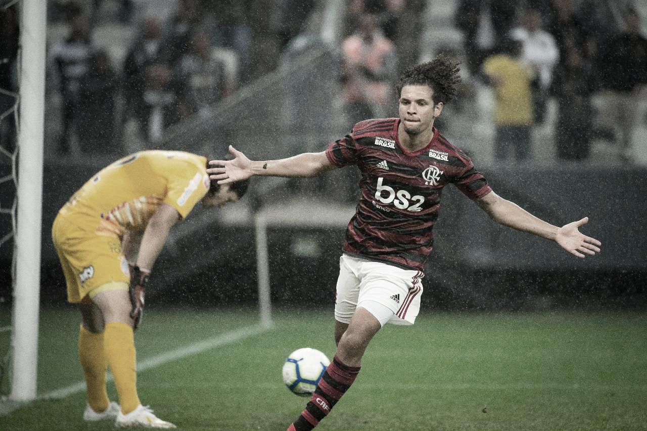 Além da vantagem: Flamengo empata o histórico do confronto contra o Corinthians