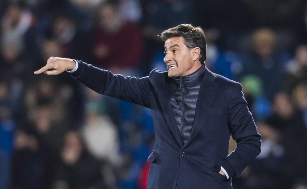 Míchel firma como nuevo entrenador del Pumas