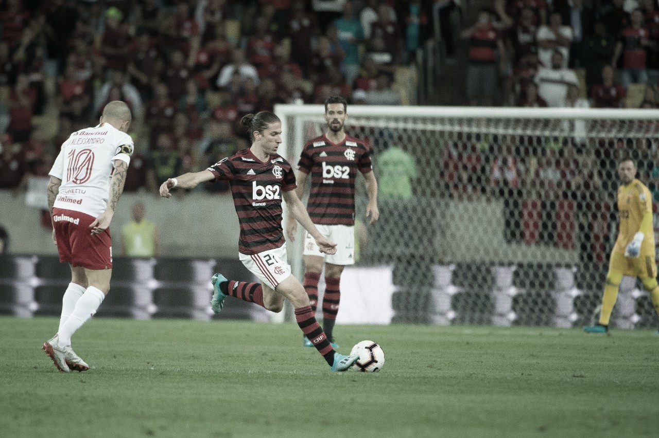"Após estreia vitoriosa na Libertadores, Filipe Luís alerta: ""A eliminatória está aberta"""