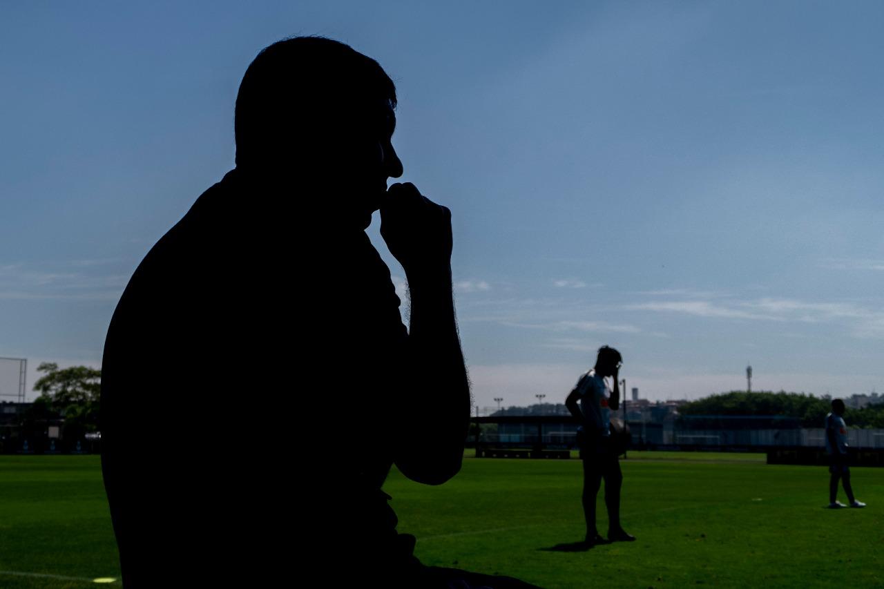 """Após derrota, Carille critica: """"A gente tem que melhorar o ofensivo"""""""