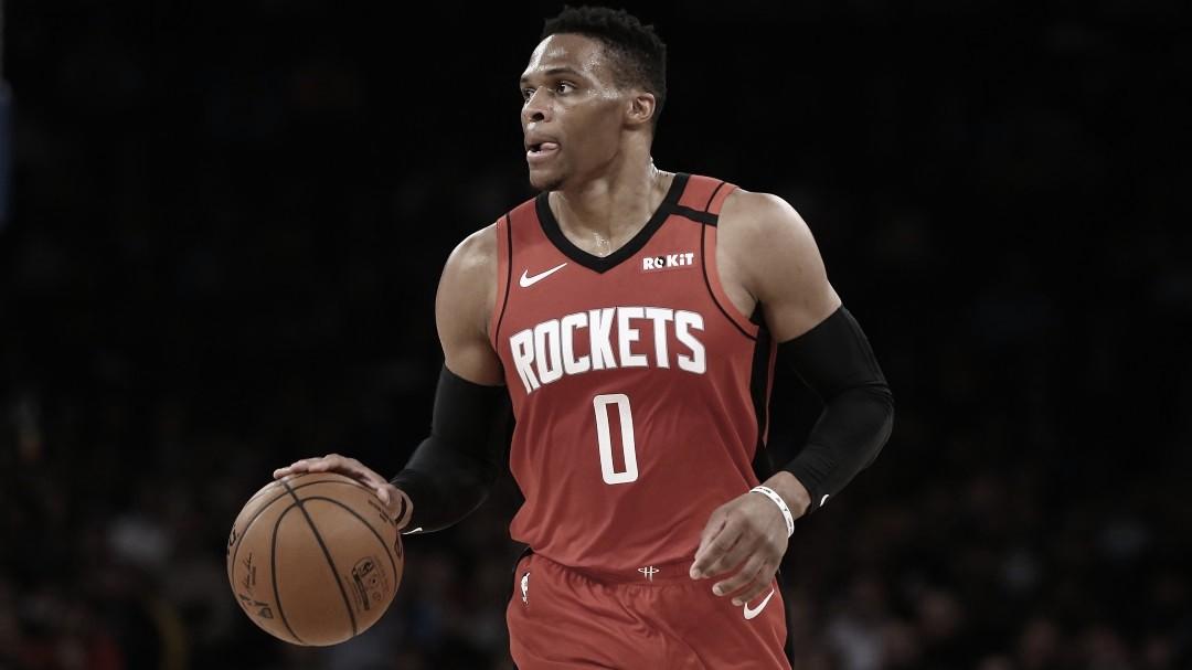 Armador Russell Westbrook sofre lesão e desfalca primeiros jogos dos Rockets nos playoffs