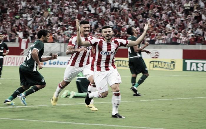 Com gol de Maylson, Náutico vence Goiás e se mantém na briga pela Série A