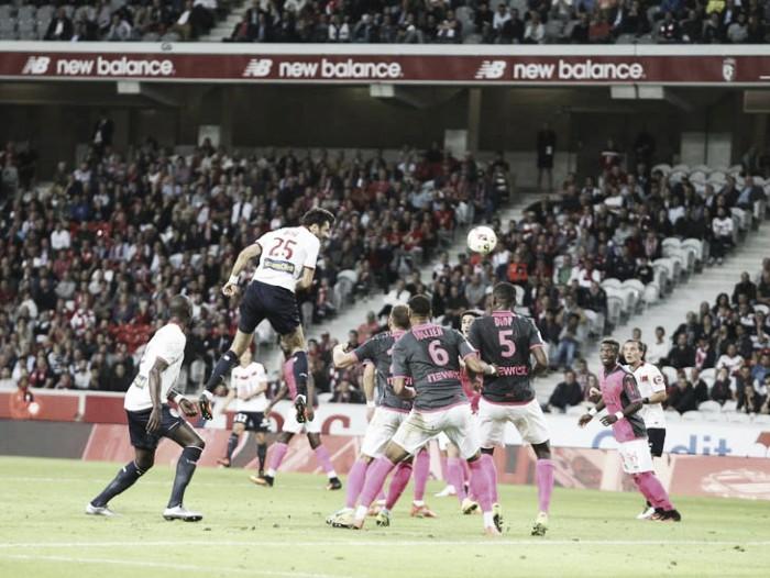 Toulouse aproveita contra-ataques, vence e coloca Lille na zona de rebaixamento