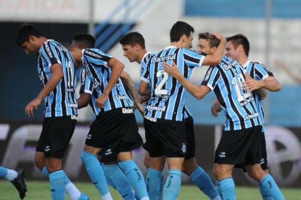 Com time misto, Grêmio vence Esportivo