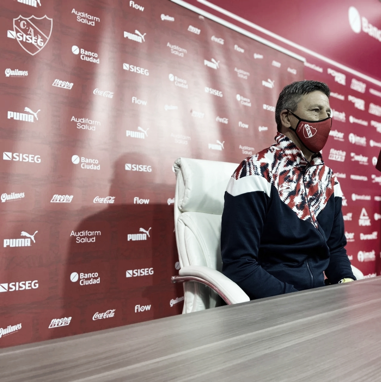 Pedro Monzón: ''Los chicos se esfuerzan mucho para dar lo mejor para Independiente''