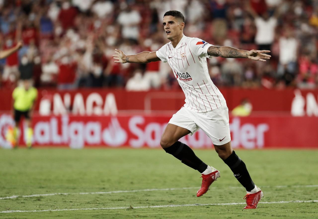 El Sevilla brilla en el primer partido de liga