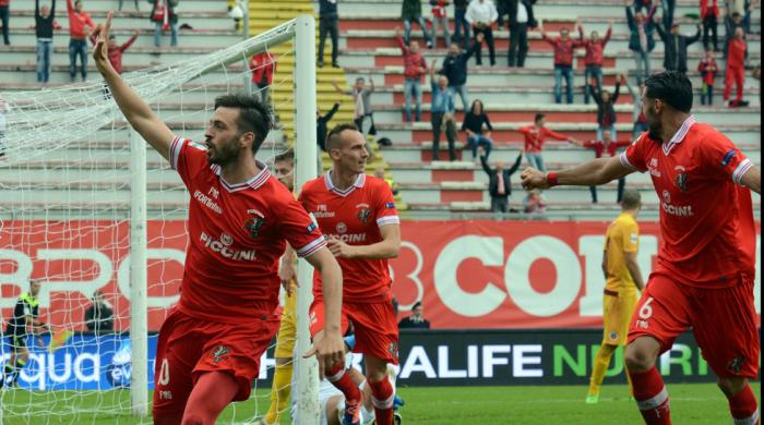 Serie B: delle big vince solo il Verona, salgono Carpi e Perugia. Ottimo 1-0 dell'Avellino
