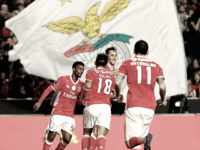 Benfica voa até à liderança: Jonas arrasa Nacional (3-0)