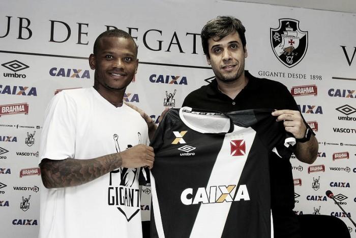 Conhecido de Riascos, Manga Escobar é apresentado no Vasco: 'É um sonho realizado'