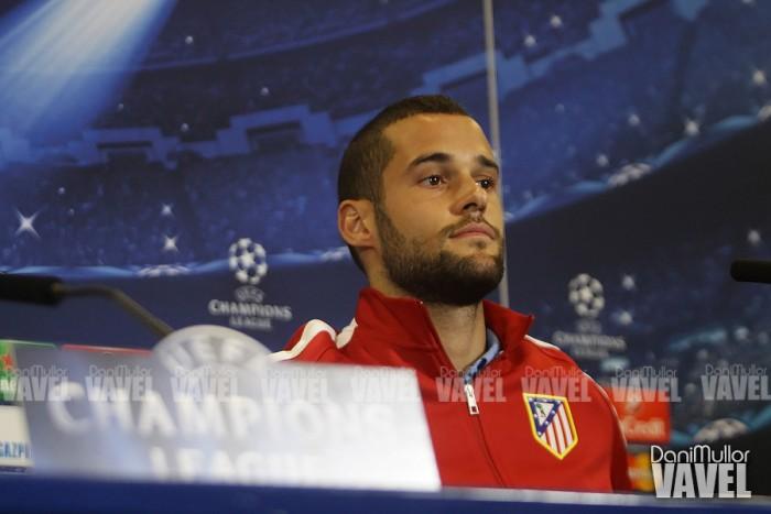 """Mario Suárez relata desavença com Simeone: """"Não me deixou sair quando queria"""""""