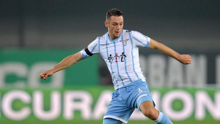 De Vrij frena la sua Lazio.
