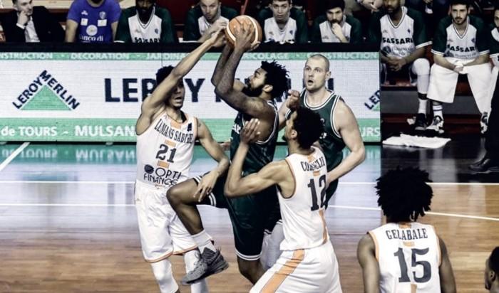 Basketball Champions League - La Dinamo Sassari vince anche il ritorno e approda ai quarti di finale