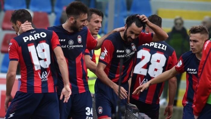 Serie B: il Crotone vince e prenota la serie A