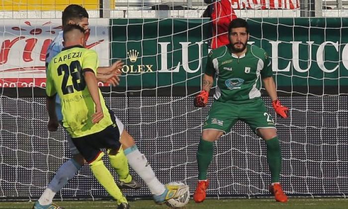 Serie B - Crotone e Cagliari scappano