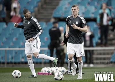 Kroos y Benzema calentando en Champions - Final entre el AT Madrid y Real Madrid