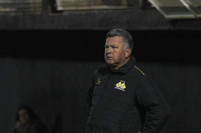 Após derrota, técnico Roberto Cavalo não esconde frustração com desempenho da equipe