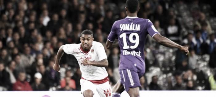 Com gol de Malcom, Bordeaux derrota Toulouse e entra provisoriamente no G-3 da Ligue 1