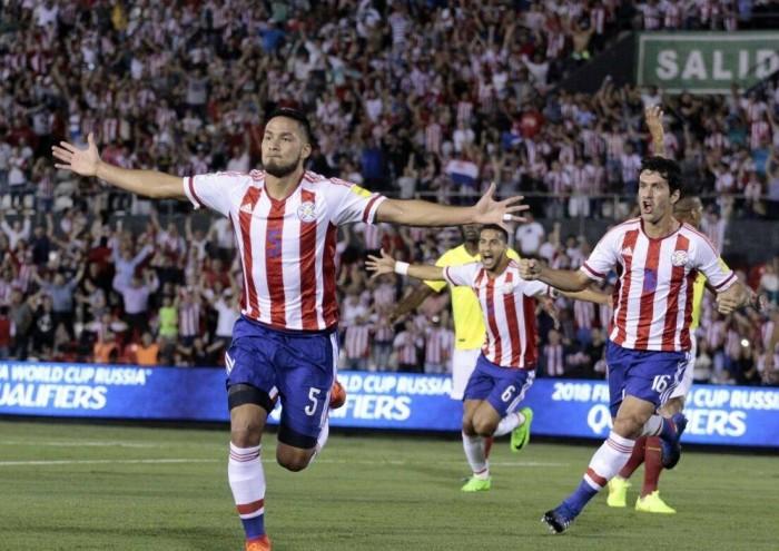 Paraguay vence a Ecuador y se mantiene con vida