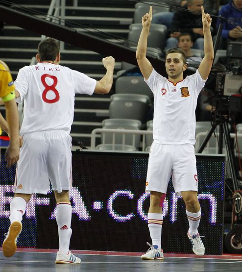España se exhibe ante Ucrania y pasa a cuartos como primera de grupo