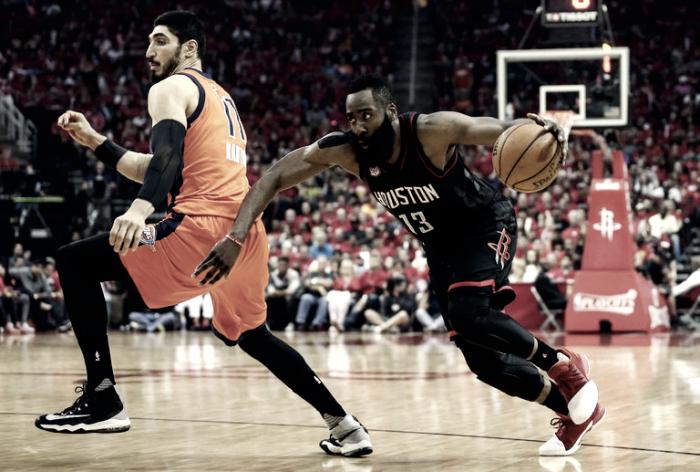 NBA Playoffs: Harden distrugge Westbrook, Houston ne rifila 31 ad OKC