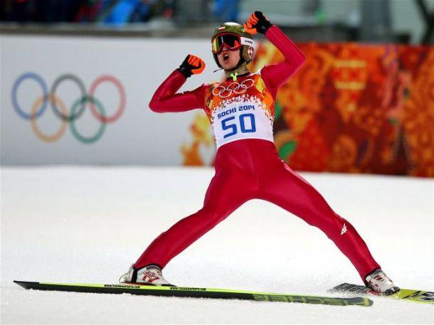 Kamil Stoch conquista a medalha de ouro no salto de esqui