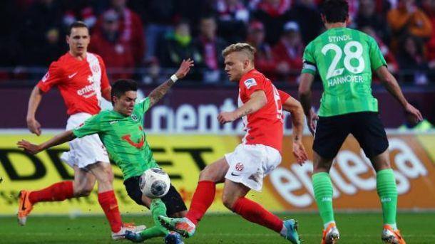 Mainz vence Hannover e se aproxima da luta por vaga europeia
