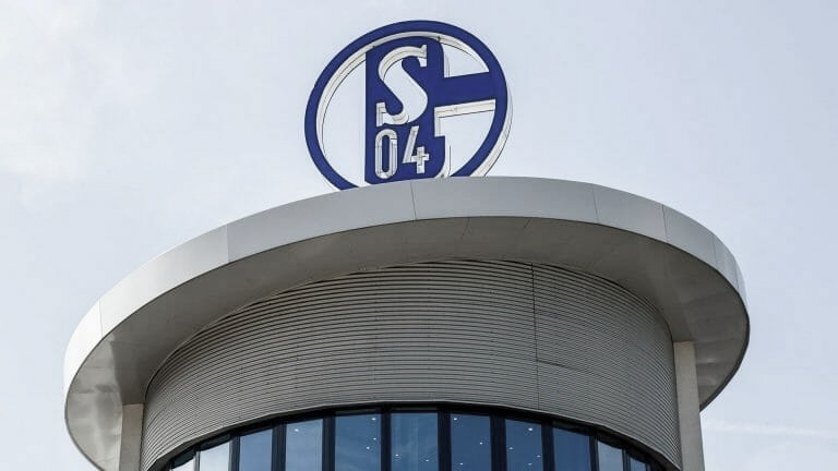 La caída de un grande: el Schalke 04 desciende a la 2.Bundesliga