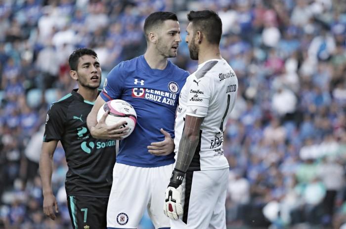 Voltereta del Cruz Azul vence a Santos 2 - 1
