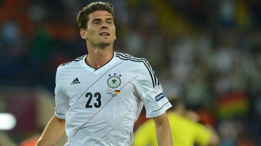 La Alemania de Mario Gómez deja casi fuera a los Países Bajos