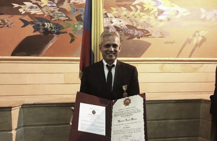 Reinaldo Rueda fue condecorado con la Orden Simón Bolívar