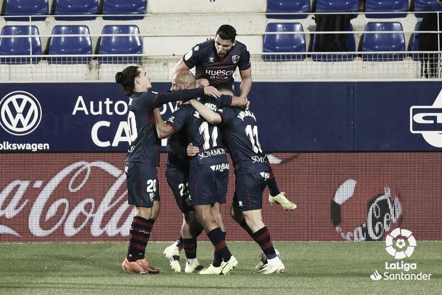 El Huesca se reengancha a la clasificación
