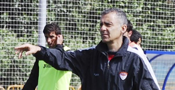 Carlos Terrazas da la baja a 17 jugadores