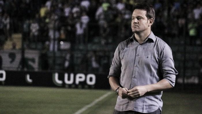 Figueirense age rápido após demissão de Eutrópio e anuncia retorno do técnico Argel