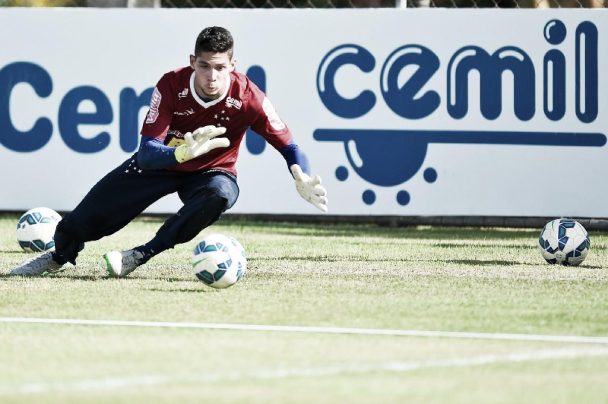 Por jovem promissor do Sport, Cruzeiro pode ceder um de seus goleiros