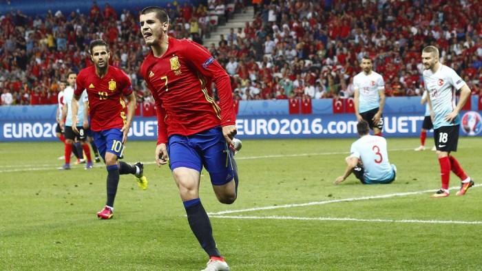 Euro 2016, la Spagna passeggia con la Turchia e vola gli ottavi: 3-0 a Nizza