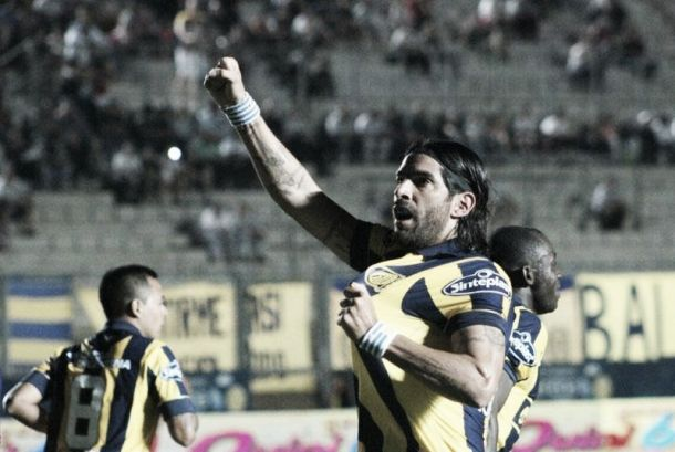 """Rosario Central 5 - 0 Argentinos Juniors: Puntuaciones del """"Canaya""""."""