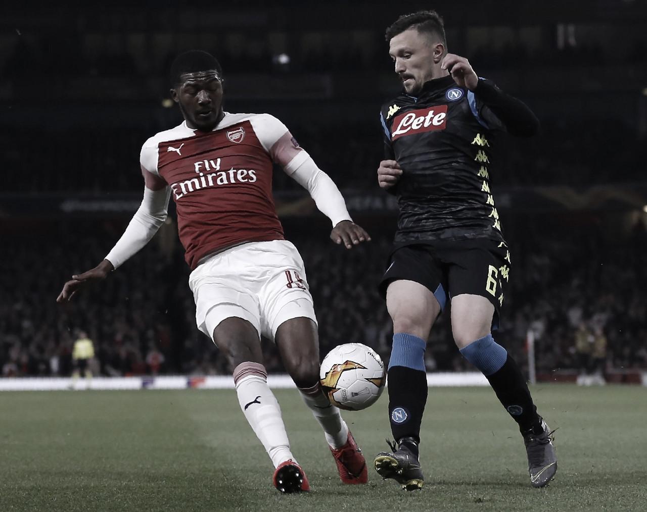 Arsenal domina Napoli e sai na frente nas quartas da Europa League