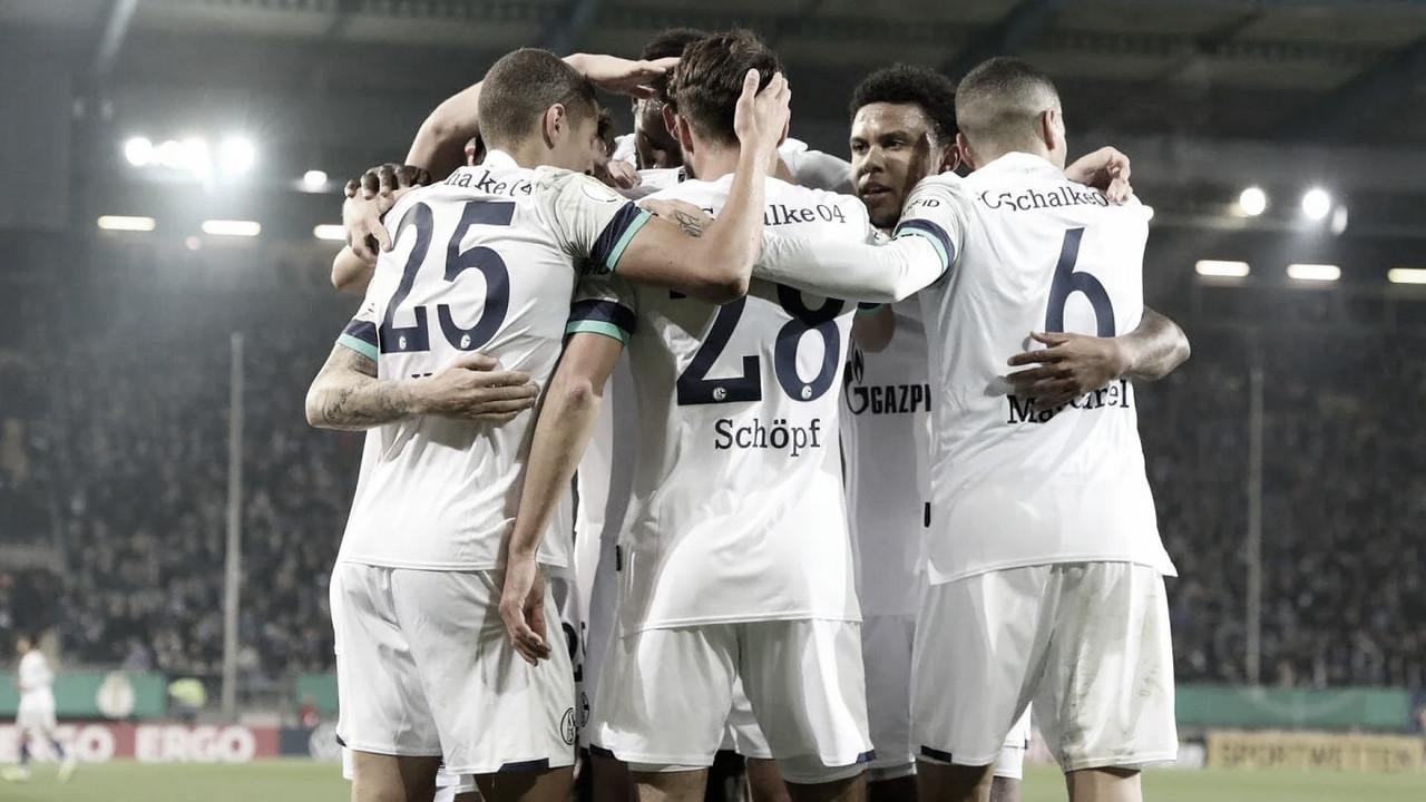 Schalke 04 segura pressão, vence Arminia Bielefeld e avança na Copa da Alemanha