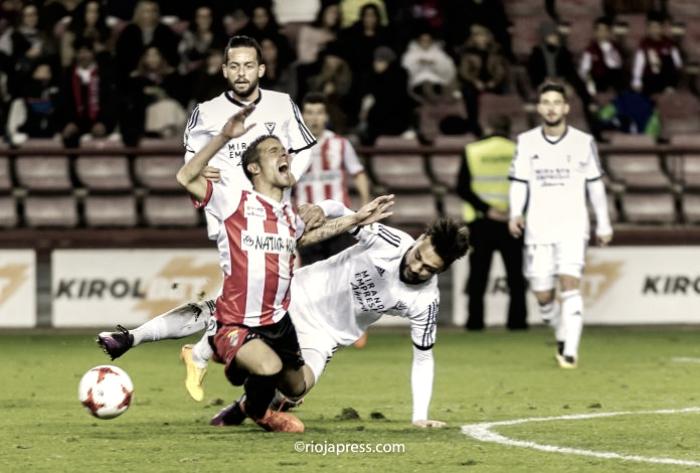 Previa Sporting B - UD Logroñés: vencer y dar un salto hacia la cabeza