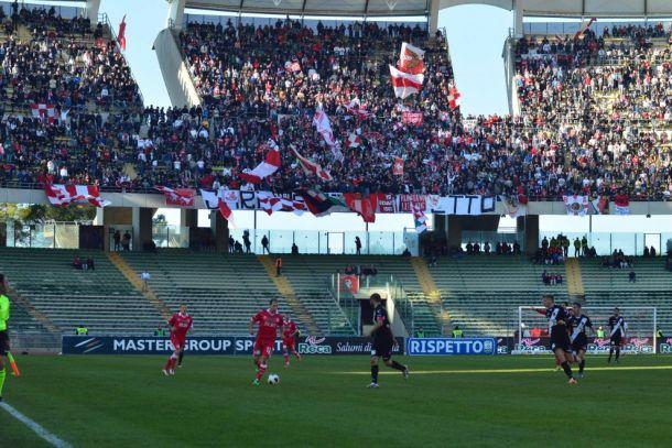 Serie B: pari Livorno, scatto del Bari
