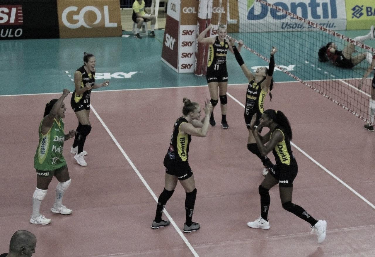 Praia Clube bate o Sesi-Bauru e vai em busca do bicampeonato na Superliga Feminina