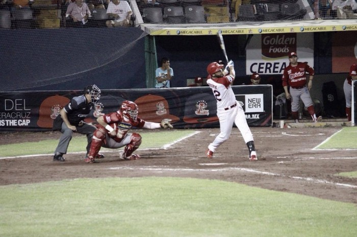 Néstor Molina le da el primer triunfo a Veracruz frente a México